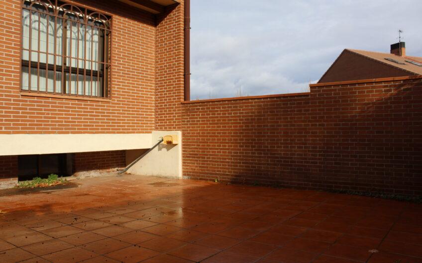 Chalet en Campo de Tiro con piscina comunitaria