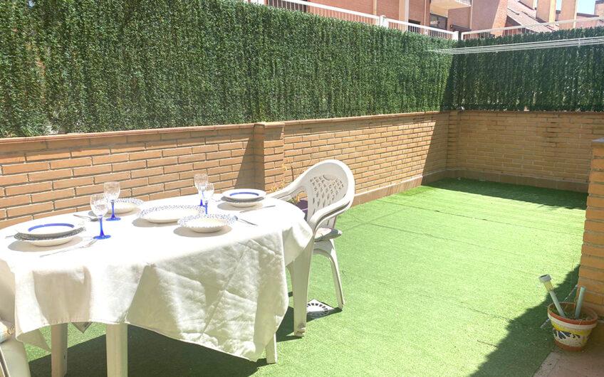 Apartamento con patio en Vereda de Estudiantes